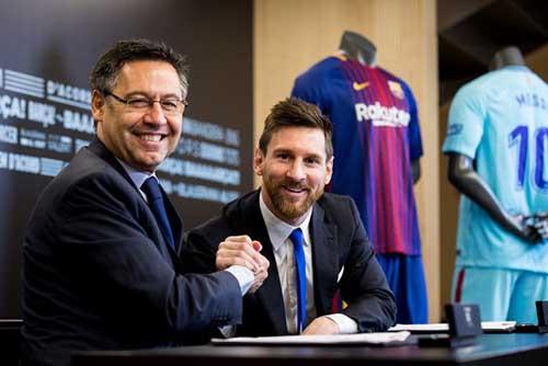 رئيس برشلونة يثق في قدرة ميسي على مواصلة اللعب بعد 2021