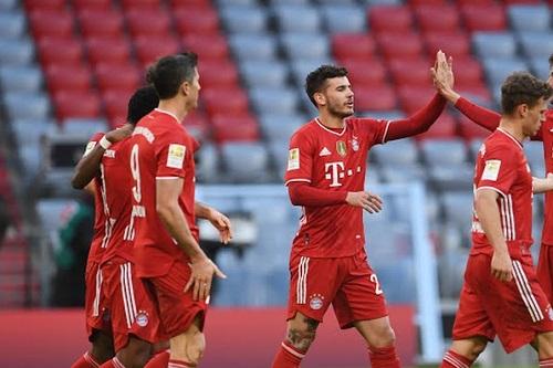 بايرن يكتسح كولن بخماسية في الدوري الألماني