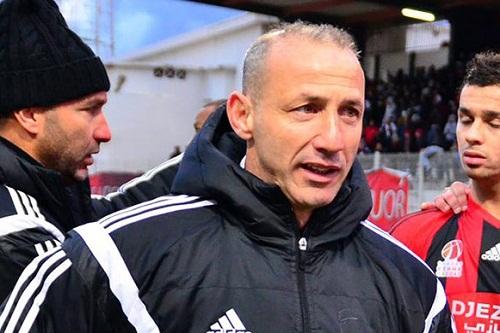 3 مدربين بالدوري الجزائري يغادرون في يوم واحد