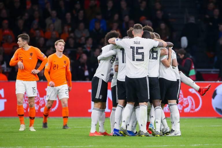 """ألمانيا تخمد """"ريمونتادا"""" هولندا بانتصار قاتل في مقابلة مجنونة"""