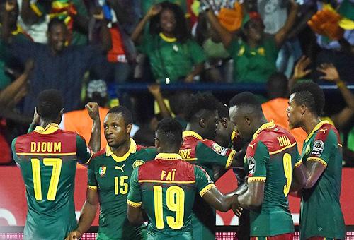 """""""أسود"""" الكامرون تغتال الحلم الغاني وتضرب موعدا مع مصر في نهائي كأس إفريقيا"""