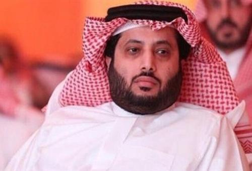 آل الشيخ يهنئ الأهلي.. ويلعب دورًا بارزًا في تجديد السعيد