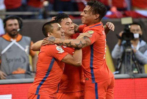 التشيلي تهزم كولومبيا وتضرب موعدا مع الأرجنتين في نهائي كوبا أمريكا