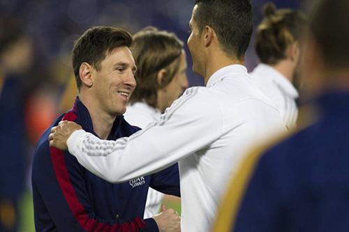 الخطر يداهم ريال مدريد وبرشلونة في أصعب توقيت بالموسم