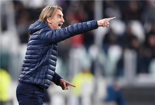 استقالة مدرب كروتوني بضغط من رئيس النادي
