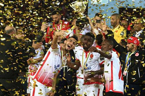 """تارِيخ الأندية الوطنية مع """"السوبر"""" الإفريقي.. الرجاء يبحث عن رابِع لقب للمغرب"""