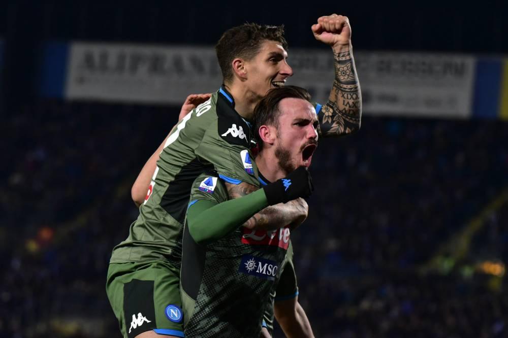 نابولي يقلب الطاولة على بريشيا في الدوري الإيطالي