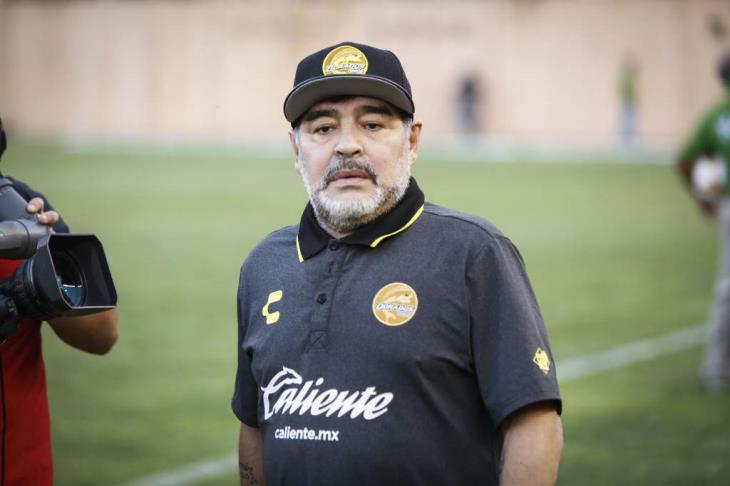 مارادونا: اتخذت قرار الرحيل عن خيمناسيا بكل الألم