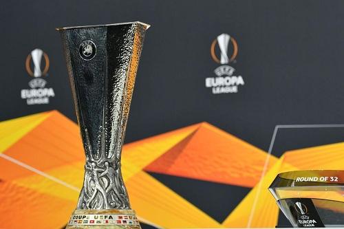 مانشستر يصطدم بميلان.. قرعة الدوري الأوروبي تسفر عن مواجهات قوية