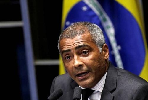 أسطورة الكرة البرازيلية روماريو مرشح ليحكم ولاية ريو دي جانيرو بعد اقتحامه السياسة