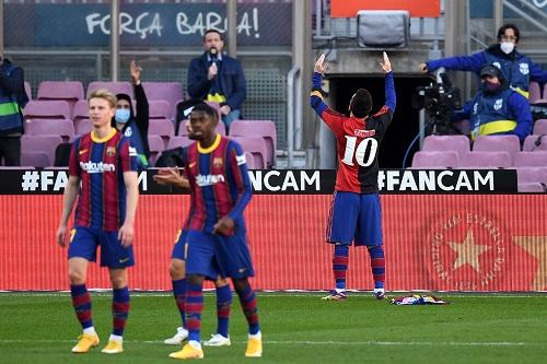 برشلونة يحتفل بالذكرى الـ121 لتأسيسه باكتساح أوساسونا في الليغا