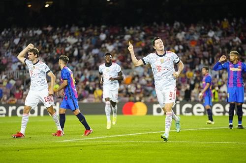 بايرن ميونخ يقسو على برشلونة بثلاثية في دوري أبطال أوروبا