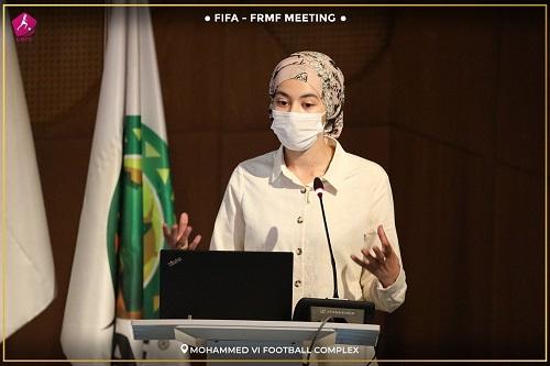 """الجامعة تعرض تطوير الكرة النسوية على """"فيفا"""""""