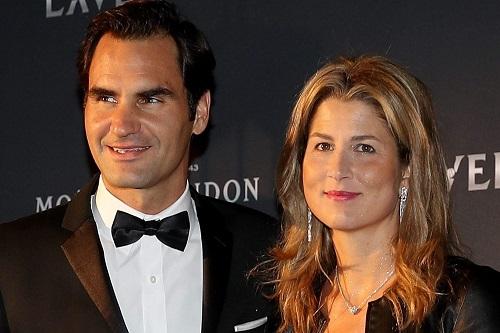 فيدرر وزوجته يتبرعان بمليون فرنك سويسري