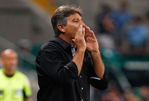 مدرب غريميو يفتح الطريق أمام برشلونة لصفقة جديدة