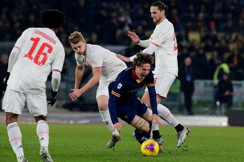 روما يعلن خضوع زانيولو لعملية جراحية في الركبة