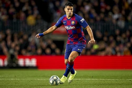 """سواريز يشعر بـ""""الألم"""" جراء اتهام لاعبي برشلونة بالتأخر في خفض رواتبهم"""
