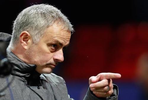 مورينيو: دي بوير أسوأ مدرب في تاريخ الدوري الإنجليزي