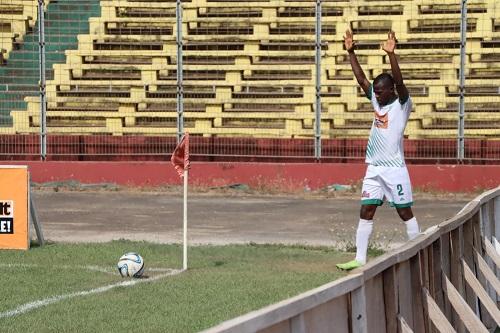 سكتة قلبية تودي بحياة لاعب غيني وهو صائم
