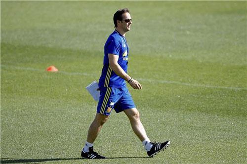 لوبيتيغي المحبوب من اللاعبين يخلف زيدان في تدريب ريال مدريد