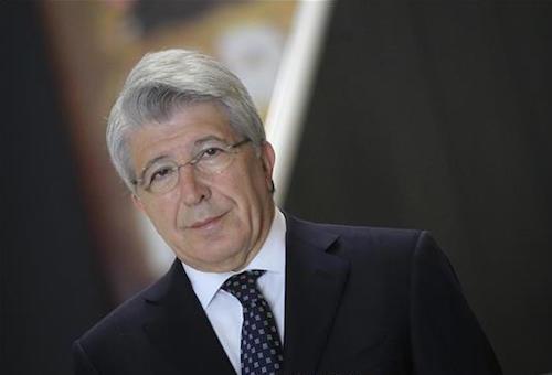 رئيس أتلتيكو مدريد: مواجهة برشلونة ليست مظاهرة سياسية