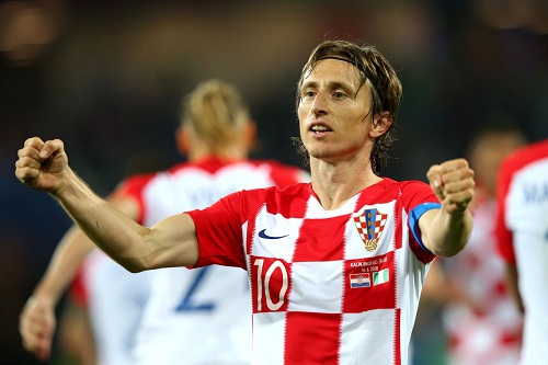 مودريتش يعود لكرواتيا بعد غياب ثلاث مباريات