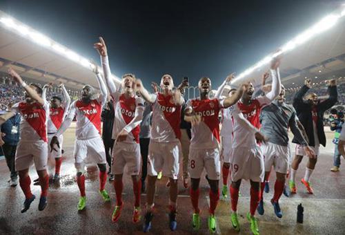 مدرب موناكو يعد بمواصلة اللعب الهجومي في دوري الأبطال