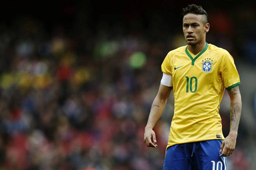 نيمار يقود البرازيل للفوز على أوروجواي وديا في لندن
