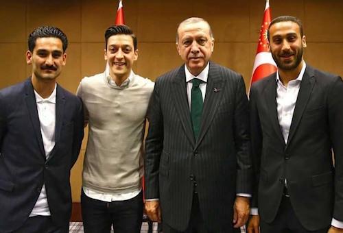 صورة أوزيل مع أردوغان تغضب ميركل