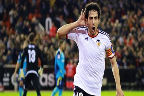 لاعب فالنسيا: قاتلنا أمام برشلونة لكن الحكم هزمنا