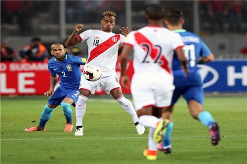 نجم بيرو يشعر بأن المونديال في ليما