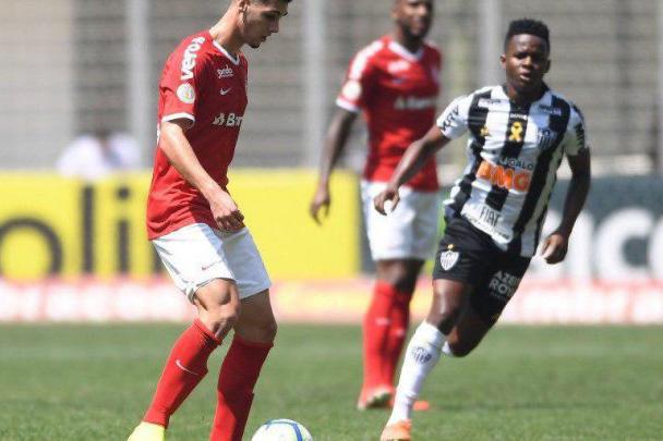 أتلتيكو مينيرو يواصل الترنح في الدوري البرازيلي