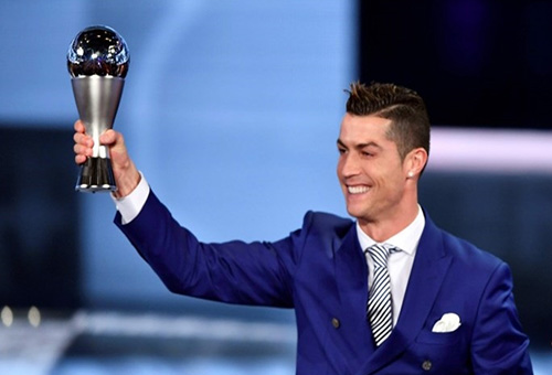 رونار وبنعطية يختلفان في اختيار أفضل لاعب في العالم