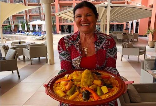 """والدة رونالدو تدعو معجبيها من المغرب لمشاركتها وجبة """"كسكس مغربي"""""""