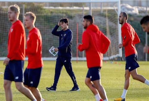 إشبيلية يبدأ الاستعداد لموقعة برشلونة