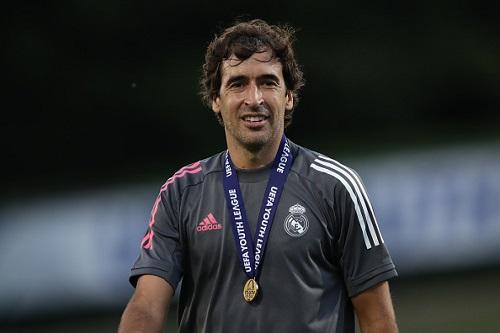 دي لا ريد: راوول مؤهل لتدريب ريال مدريد