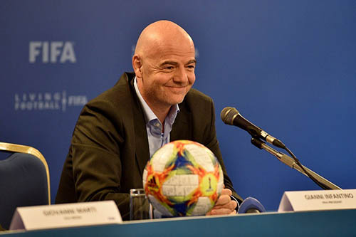 فيفا تقترح الكويت لاستضافة بعض مباريات المونديال