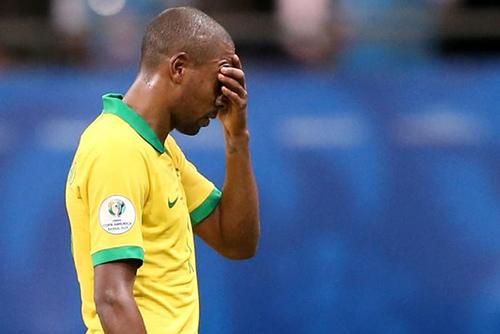 إلغاء ثلاثة أهداف للبرازيل في تعادله مع فنزويلا