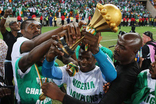"""""""نسور"""" نيجيريا تعود لنهائيات كأس إفريقيا بحلم اللقب الرابع"""