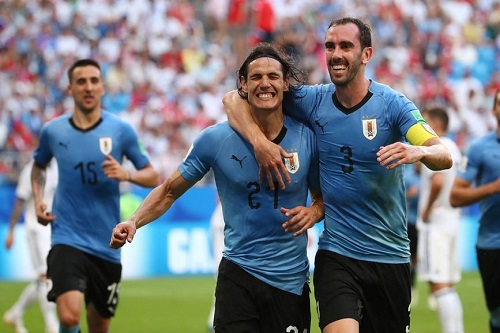 غودين: أوروغواي يجب أن تطوي صفحة الهزيمة أمام الأرجنتين وتستعد للبرازيل