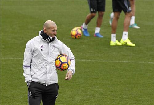 خطة زيدان السحرية تضع ريال مدريد على أعتاب مجد تاريخي